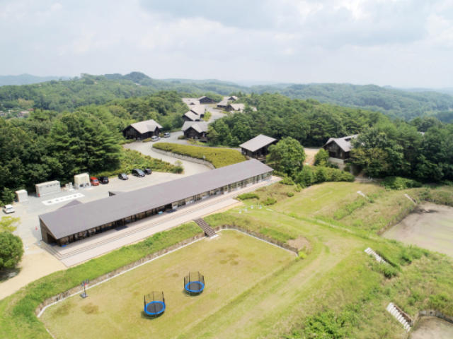 Q1. 日本初の全寮制小学校としてどのような特徴がありますか?