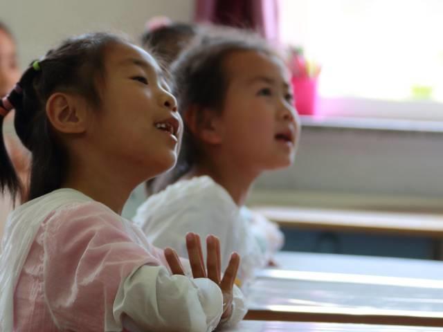 2. 小学校の外国語教育で行われている会話とは?